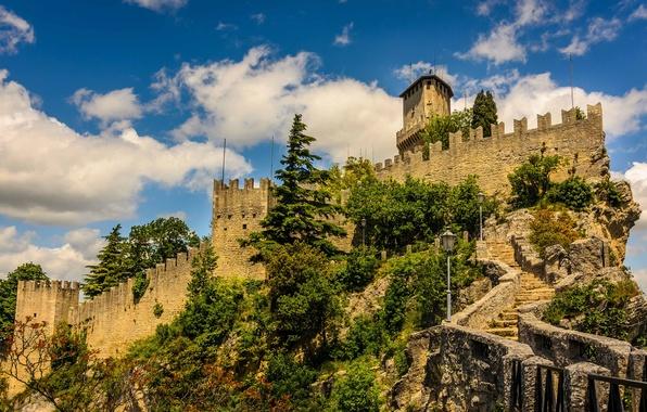 Картинка небо, облака, деревья, башня, крепость, Сан-Марино, анклав