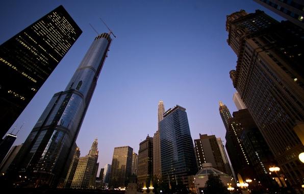 Картинка небо, город, фото, фон, обои, дома, вечер, фонари, небоскрёбы, картинка, высотки