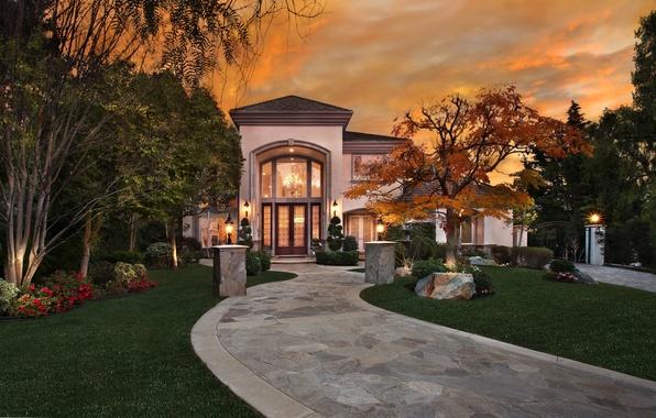 Картинка трава, деревья, цветы, ночь, огни, дом, газон, фонари, Калифорния, дорожка, США, особняк, San Juan Capistrano