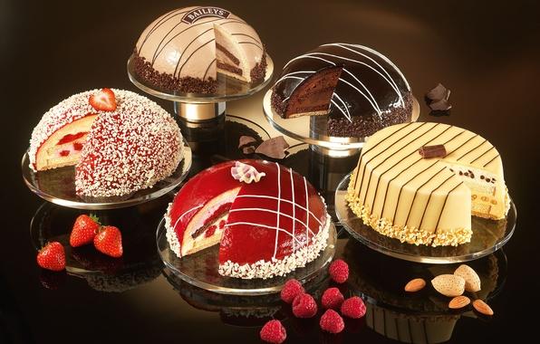 Картинка малина, еда, шоколад, клубника, сладости, крем, десерт, выпечка, миндаль, витрина, глазурь, торты, ликер, Baileys