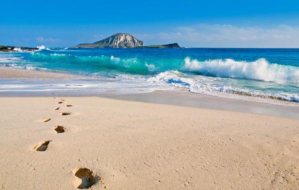 Картинка зима, море, волны, пляж, небо, следы, скала, океан, гора, Гавайи, США, Тихий океан, Ade Hopkins …