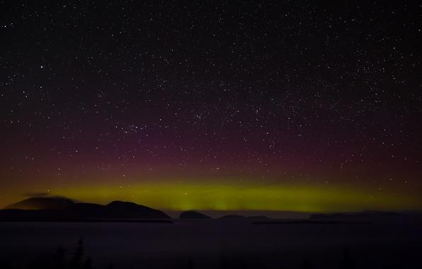 Картинка космос, звезды, облака, гора, северное сияние, холм, тайны