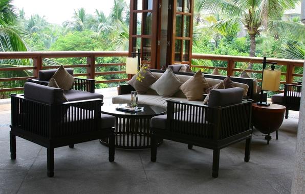Картинка путешествия, отдых, обои, интерьер, подушки, отель, диваны, веранда, остров Хайнань