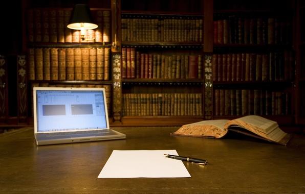 Картинка лист, бумага, книги, лампа, ручка, ноутбук, библиотека, полки