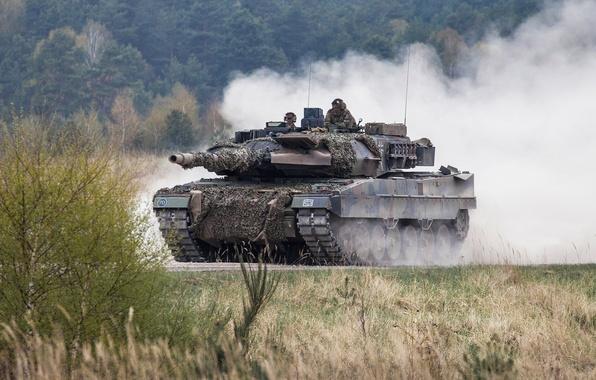 Картинка пыль, танк, боевой, Leopard 2A6M