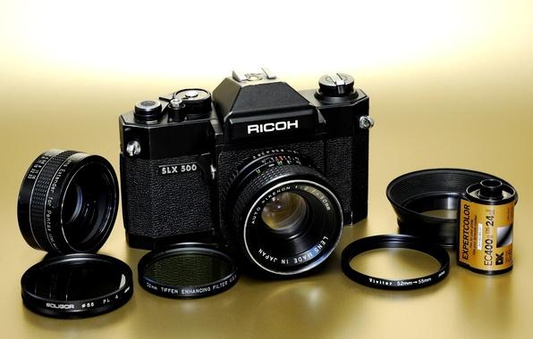 Картинка фон, кольца, фотоаппарат, объектив, зеркальный, пленочный, механический, Rikenon 50mm F / 2, фотоплёнка, Ricoh SLX …