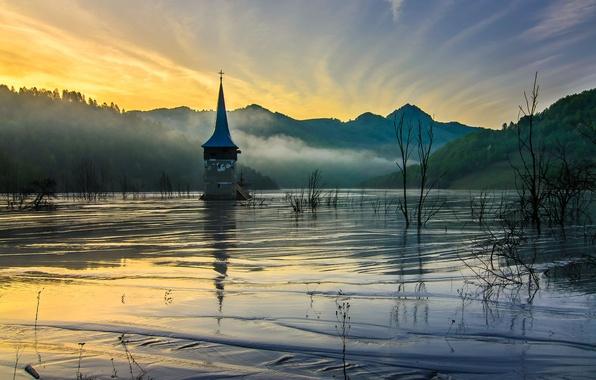 Картинка горы, туман, рассвет, весна, утро, церковь, низина, затопленная