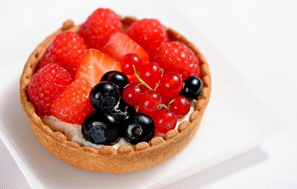 Картинка малина, еда, черника, клубника, крем, десерт, сладкое, sweet, cream, dessert, berries, тарталетки, blueberries, красная смородина, …
