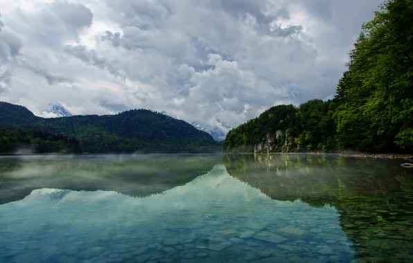 Картинка небо, вода, облака, деревья, горы, природа, озеро, река, дерево, пейзажи, гора, озера, дымка, леса, реки, …