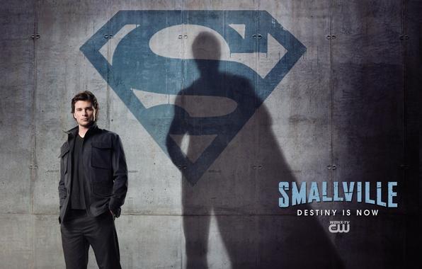 Картинка герой, Сериал, superman, супермен, пятно, hero, Том Велинг, семейны знак, тайны смолвиля, Кларк Кент, brur
