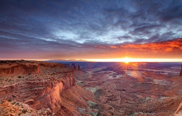 Картинка небо, солнце, скалы, пустыня, утро, каньон, Юта, сша, Canyonlands National Park, Каньонлендс национальный парк
