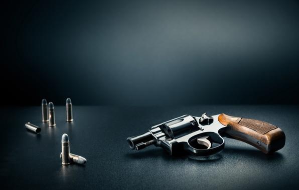 Картинка пистолет, камуфляж, патроны, револьвер, боя, снаряжение, амуниция, боке, wallpaper., ближнего, beautiful background, красивый фон, многозарядный, …
