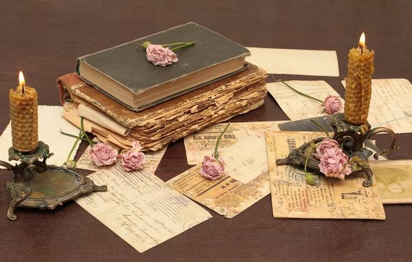 Картинка цветы, бумага, стол, книги, розы, старые, свечи, vintage, винтаж, подсвечники, письма, открытки