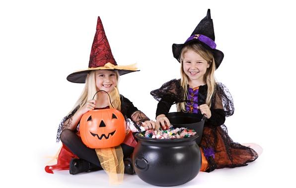 Картинка дети, праздник, конфеты, костюм, тыква, хэллоуин, детская, ведьмочка, котёл