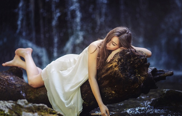 Картинка лес, девушка, дерево, отдых, платье, ножки, dreamy days