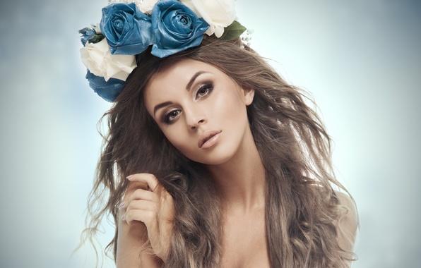Картинка глаза, взгляд, девушка, цветы, фон, модель, волосы, рука, макияж