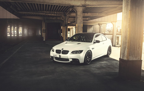 Картинка белый, бмв, BMW, white, front, E92, бетоные опоры