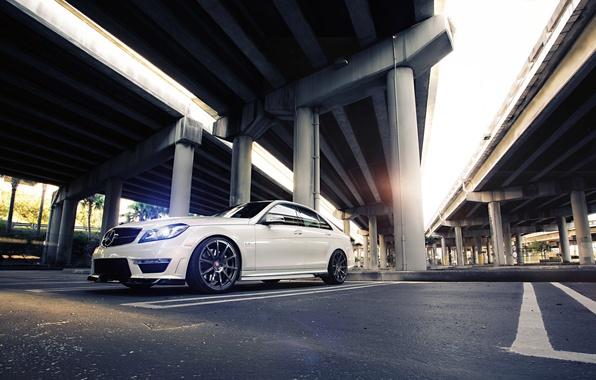 Картинка Mercedes-Benz, Mercedes, Power, Bridge, AMG, White, Street, Tuning, Road, C63, Sedan, Wheels