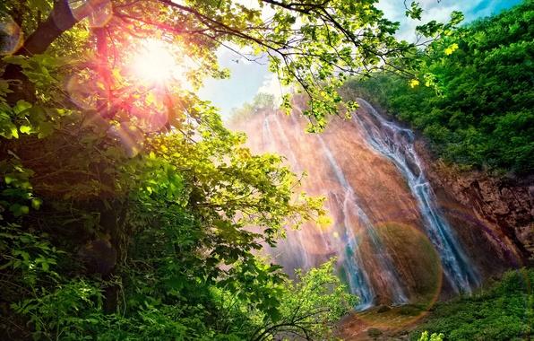 Картинка солнце, пейзаж, горы, природа, блики, водопад, радуга, спектр, ослепительное, Waterfall