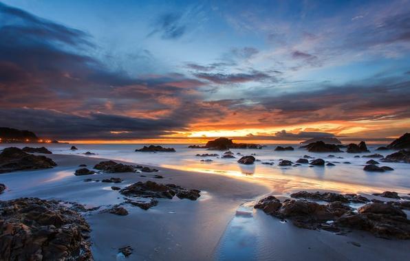 Картинка песок, небо, облака, закат, оранжевый, тучи, камни, океан, голубое, берег, побережье, вечер, Австралия
