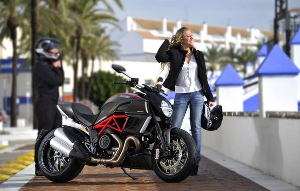 Картинка девушка, фон, блондинка, мотоцикл, байк, Ducati, Дукати, Диавел, Diavel