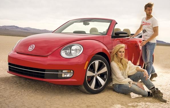 Картинка небо, девушка, красный, Volkswagen, Жук, парень, кабриолет, передок, Beetle, Фольксваген, Convertible