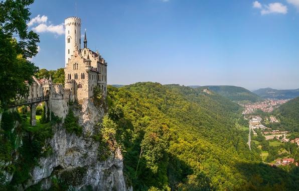 Картинка горы, скала, замок, Германия, долина, панорама, Germany, Баден-Вюртемберг, Baden-Württemberg, Замок Лихтенштайн, Вюртемберг, Württemberg, Lichtenstein Castle