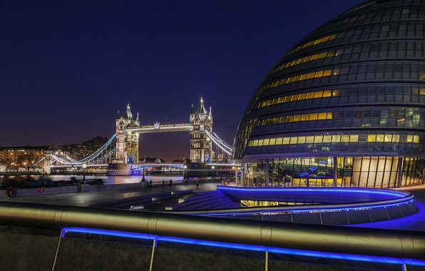 Картинка свет, ночь, река, Англия, Лондон, Великобритания, перила, Темза, Тауэрский мост, Tower Bridge, London, England, Thames, …