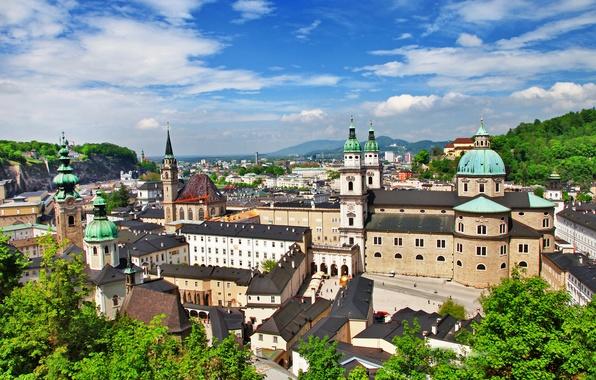 Картинка зелень, облака, деревья, город, здания, дома, Австрия, собор, архитектура, Salzburg, Зальцбург, Österreich