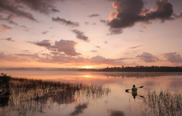 Картинка небо, облака, пейзаж, закат, природа, гладь, река, лодка, рыбак, горизонт, nature, sunset, заводь