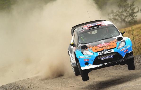 Картинка Ford, Авто, Пыль, Спорт, Машина, Скорость, Форд, Гонка, Капот, WRC, Rally, Ралли, Fiesta, Фиеста, Передок