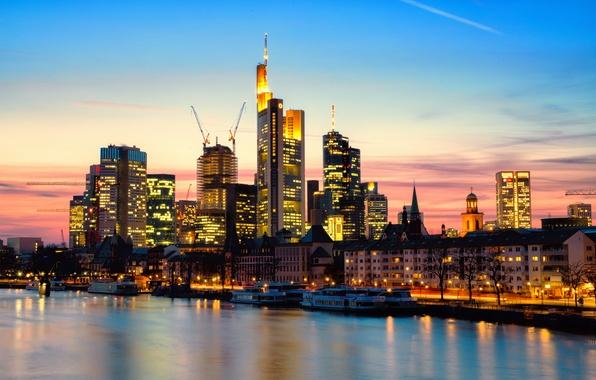 Картинка закат, город, огни, река, дома, небоскребы, вечер, Германия, Germany, высотки, Франкфурт-на-Майне, Deutschland, Frankfurt am Main, …