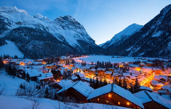 Картинка зима, свет, снег, горы, огни, Франция, здания, дороги, дома, вечер, крыши, деревня, Альпы, France, Vanoise, …