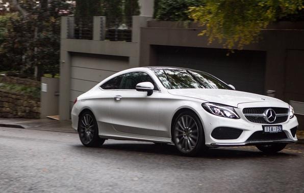 Картинка car, машина, Mercedes-Benz, белая, white, мерседес, Coupe, передок, C 300, AMG line