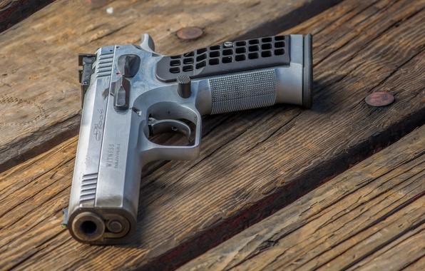Картинка пистолет, оружие, доски