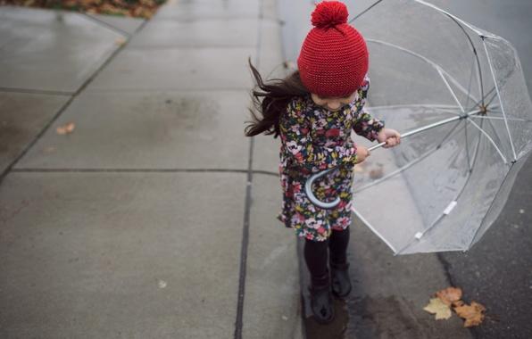 Картинка осень, листья, ветер, улица, ребенок, зонт, девочка