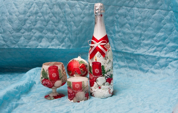 Картинка праздник, бокал, бутылка, свеча, шарик, Новый год, шампанское
