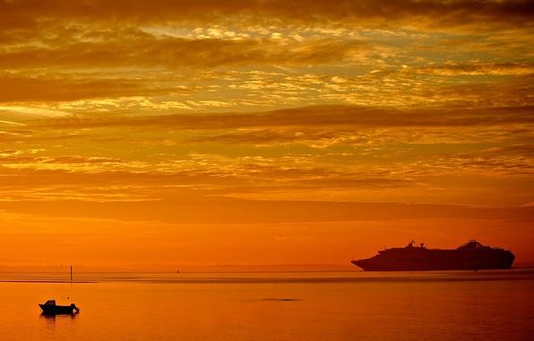 Картинка море, небо, облака, закат, корабль, катер