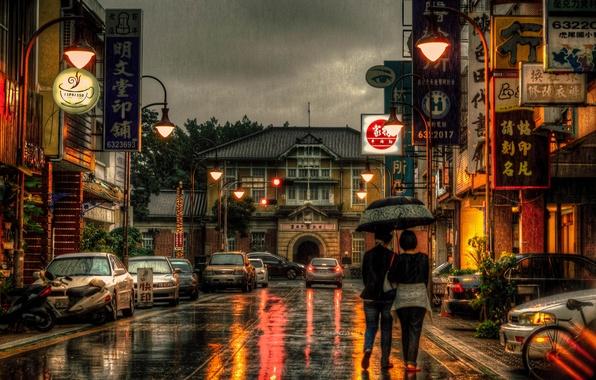Картинка велосипед, девушки, мотоциклы, улица, зонт, Тайвань, автомобили, магазины, быт, фонарный столб, рестораны, дождливый, Юньлинь