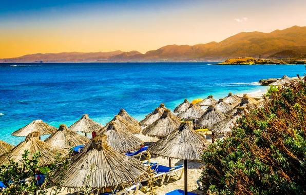 Картинка море, пляж, горы, природа, тропики, пальмы, зонтики