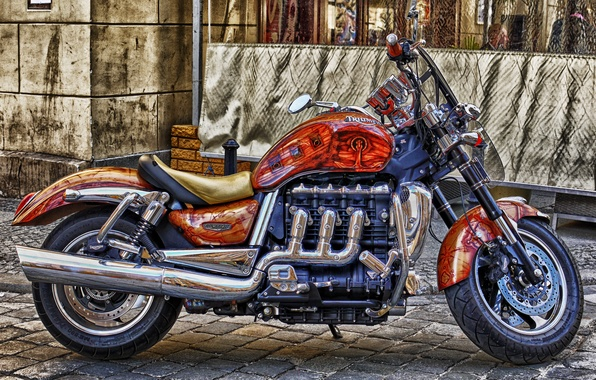 Картинка тюнинг, мотоцикл, британский, расцветка, Triumph Rocket III, 3-литровый, с трехцилиндровым двигателем рабочим объемом 2294 см.куб, ...