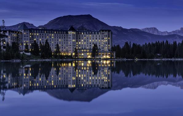 Картинка горы, озеро, отражение, вечер, освещение, Канада, Альберта, отель, Banff National Park, Alberta, Lake Louise, Canada, …