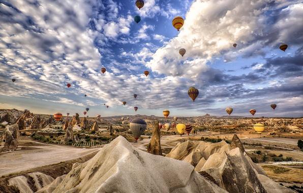 Картинка небо, облака, горы, воздушный шар, скалы, Турция, Каппадокия