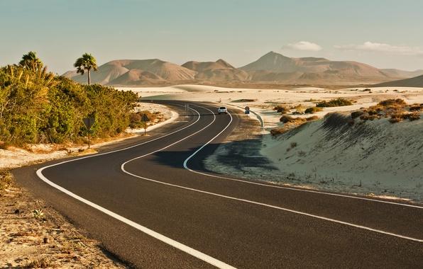 Картинка дорога, машина, разметка, холмы