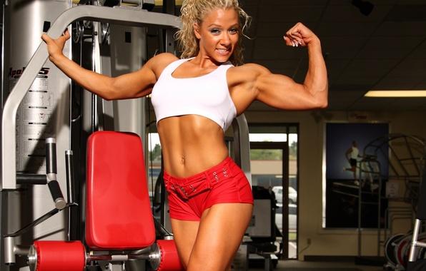 Картинка девушка, поза, спорт, фигура, шортики, мышцы, бодибилдер, культуристка, тренажор