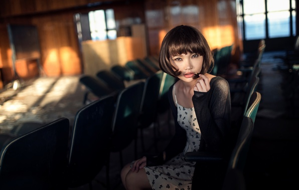 Картинка девушка, кинозал, Maxim Guselnikov, Карина Ким, Disconnected