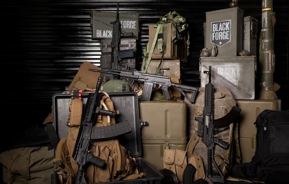 Картинка оружие, склад, ящики, сумки, гранаты, магазины, амуниция, автоматы, военная, штурмовые винтовки, Вепрь