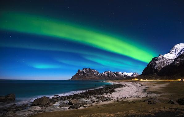 Картинка море, небо, горы, камни, побережье, северное сияние, Норвегия, Norway, Лофотенские острова, Lofoten Islands, Норвежское море, …