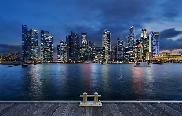 Картинка облака, ночь, lights, огни, небоскребы, подсветка, залив, Сингапур, архитектура, мегаполис, night, clouds, Singapore, синее небо, …