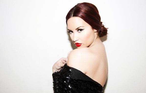 Картинка взгляд, портрет, пирсинг, певица, Demi Lovato